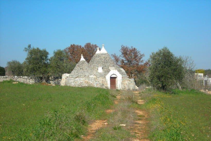 Martellotta, trulli restoration project for sale