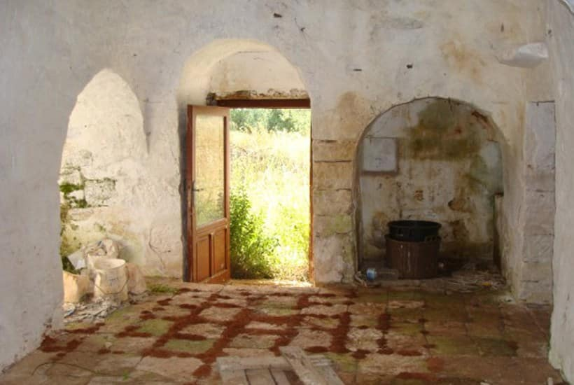 Interior of Martellotta, restoring trullo project for sale