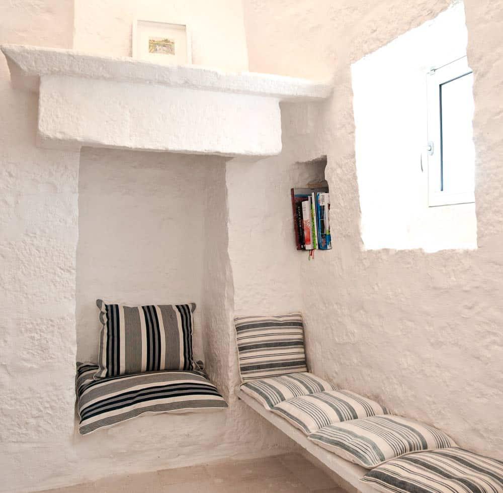 Interior design for houses in puglia for Interior design email