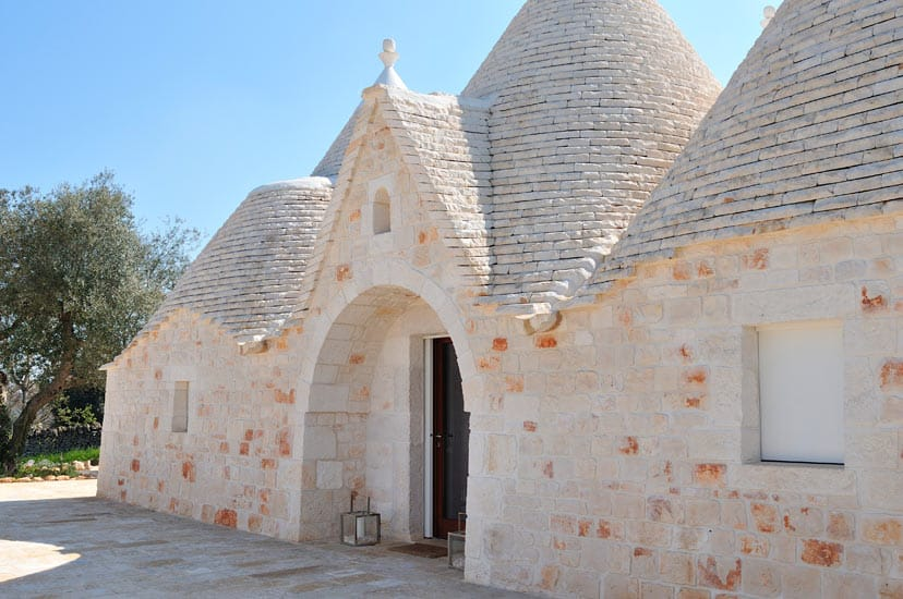 Trullo Sereno's entrance