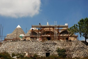 Restoring work of a trullo in Cisternino