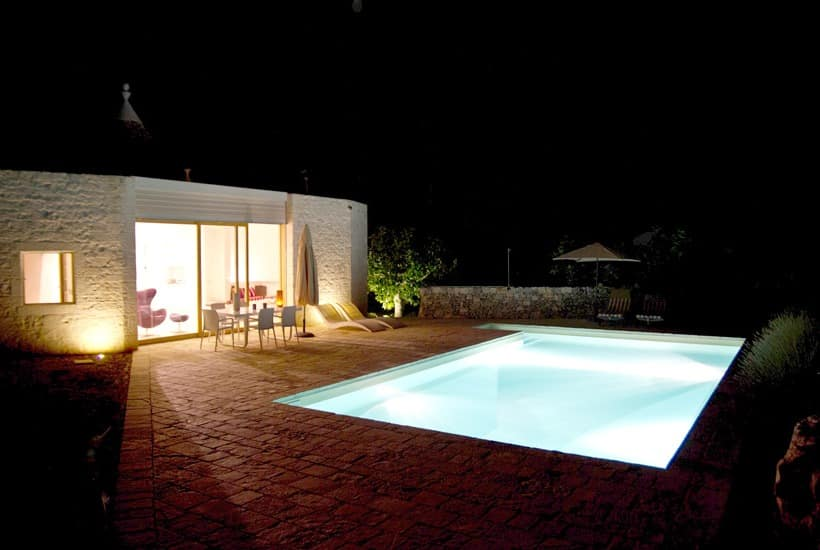 Nightview of swimming pool in our trullo for rent