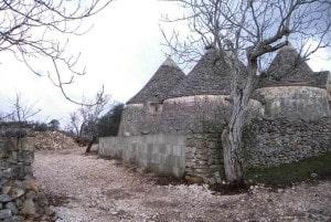 Turnkey trullo restoring in Puglia