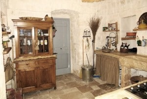 Kitchen in Casa Ulmo, restored farmhouse in Ceglie Messapica, Puglia