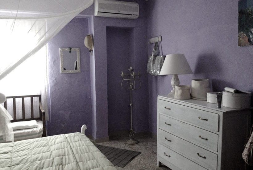 Restore house in Puglia: a bedroom in Casa Tirunno