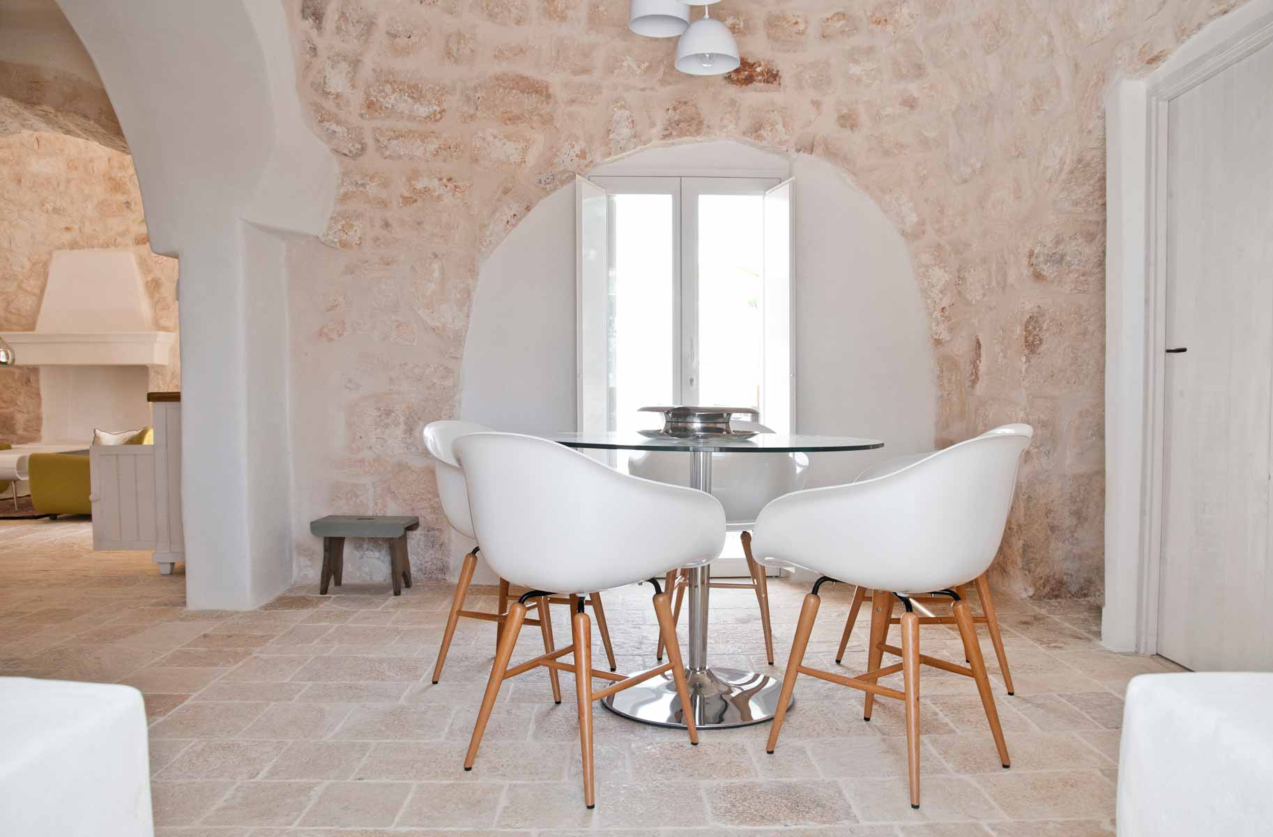 Contemporary trullo in Ostuni