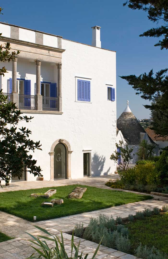 Architechture of farmhouse in Puglia