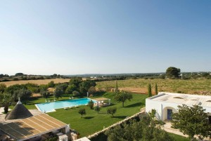 Puglia ancient farmhouse with swimming pool